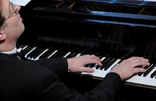 Hire Chicago Pianist Richard Sladek